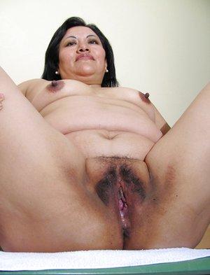 Asian Mature Pussy Pics